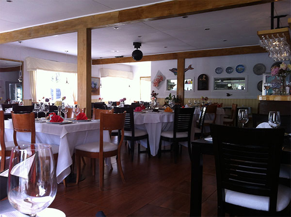 Interior do Restaurante da Angelica ou Angelica's Restaurant em Puerto Natales, Chile - Foto: Amandina Morbeck.