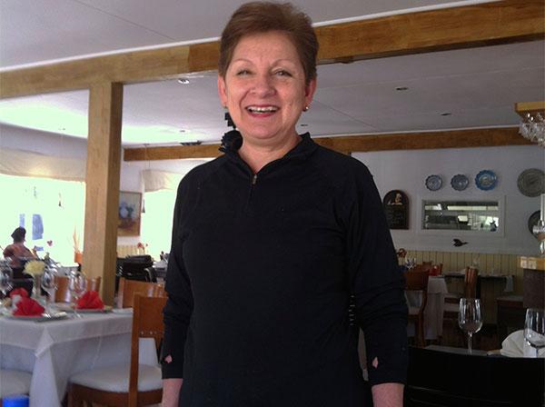 Angelica, a proprietária e chef do Restaurante da Angelica em Puerto Natales, Chile - Foto: Amandina Morbeck.