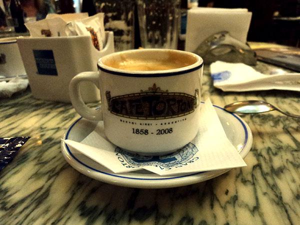 No Café Tortoni, Buenos Aires, Argentina - Foto: Amandina Morbeck