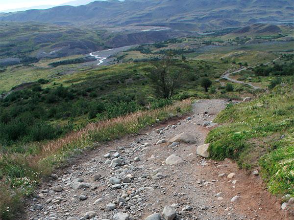Trecho da descida/subida do/para Refúgio El Chileno/Mirante Las Torres no Circuito W, Torres del Paine, Chile - Foto: Amandina Morbeck.