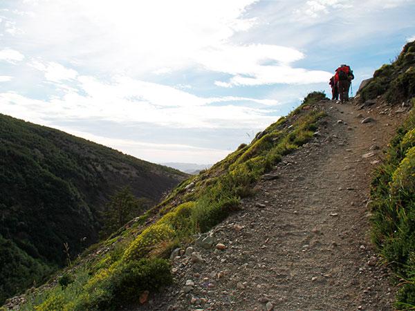 Deixando o Vale Ascencio para continuar em direção ao Refúgio Los Cuernos durante o Circuito W, Torres del Paine, Chile - Foto: Amandina Morbeck.