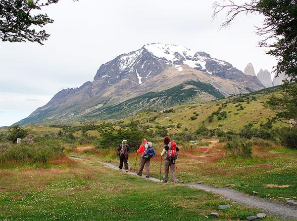 Início do trekking no Circuito W em Torres del Paine, Chile a partir do Refúgio Torres Central - Foto: Amandina Morbeck.