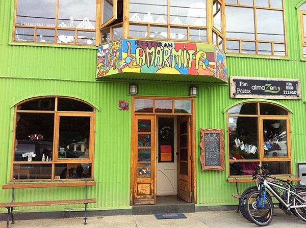 Fachada do Restaurante La Marmita em Punta Arenas, Chile - Foto: Amandina Morbeck.