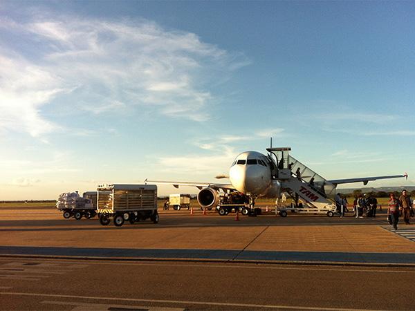 Aeroporto de Palmas, Tocantins, a caminho do Jalapão, o incrível deserto brasileiro - Foto: Amandina Morbeck.