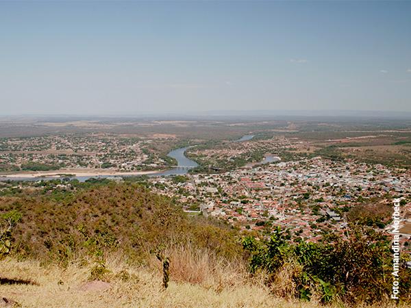 Do alto da Serra Azul tem-se essa vista de Barra do Garças - www.viajandocomaman.com.br - Foto: Amandina Mrorbeck.