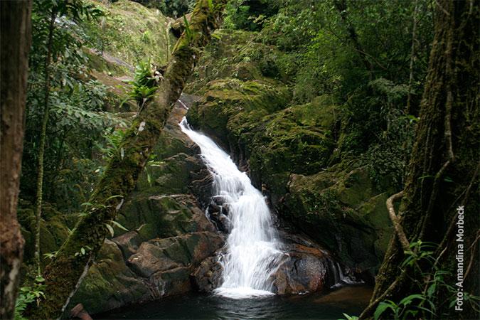 Cachoeira Grande - www.viajandocomaman.com.br - Foto: Amandina Morbeck.