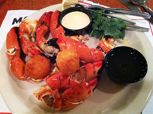 Stone crab - hummmmmmm! - www.viajandocomaman.com.br - Foto: Amandina Morbeck.