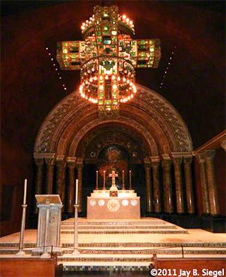 A capela de Louis Tiffany - Foto: Jay B. Siegel.