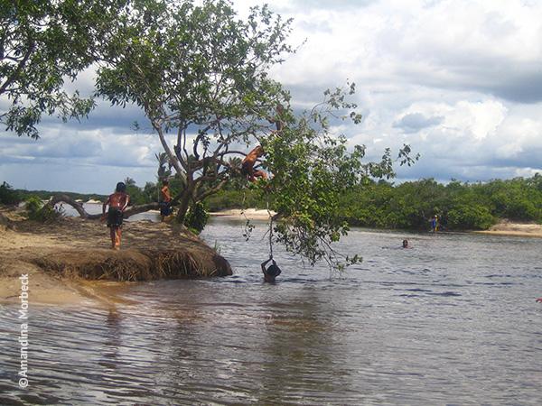 Rio Alegre em Santo Amaro do Maranhão - Travessia dos Lençóis Maranhenses - dia 1 - Foto: Amandina Morbeck.