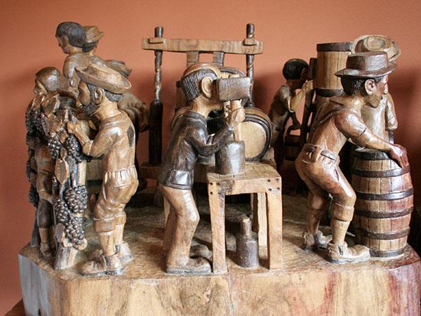 Parte da obra Vinícola - Ateliê do Ditinho Joana em São Bento do Sapucaí (Bairro do Quilombo) - Foto: Amandina Morbeck.