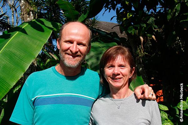 Klaus e Marilene, os simpáticos proprietários da Pousada Ecoilha - Foto: Amandina Morbeck.