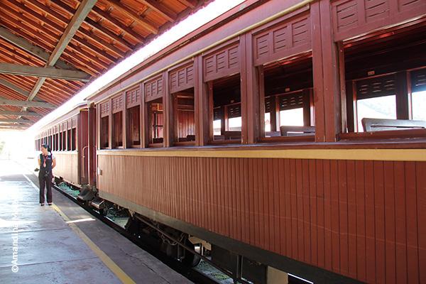 Vagões na estação de Passa Quatro para o passeio no Trem da Serra da Mantiqueira - Foto: Amandina Morbeck.