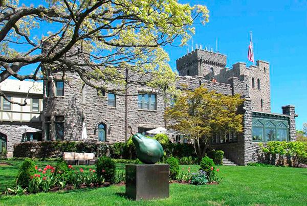 Castle Hotel é como um convite para se voltar no tempo - Foto: Reprodução.