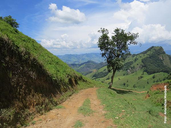 Paisagem de tirar o fôlego na Serra da Balança entre Gonçalves e São Bento do Sapucaí - Foto: Amandina Morbeck.