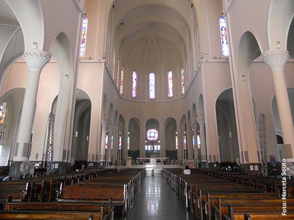 Interior da Catedral de Fortaleza - Foto: Marcela Souto/Viajando com Aman..