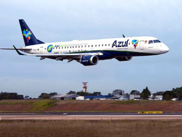 A Miami e a New York pela Azul - Avião da Azul no aeroporto Viracopos em Campinas (SP) - Foto: Reprodução.