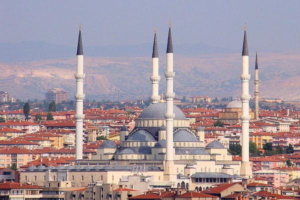 Países mais visitados do mundo - 6- Turquia - Mesquita de Kocatepe em Ancara, capital da Turquia - Foto: Wikimedia/Bjorn C. Torrissen.