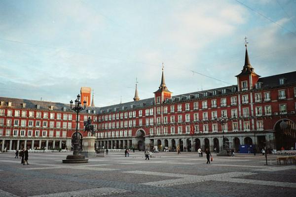 Espanha - Plaza Mayor em Madri - Foto: Wikimedia/Griffindor.