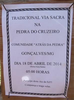 Muitas pessoas esperam por esse evento todos os anos. - via sacra na Pedra do Cruzeiro em Gonçalves (MG) - Foto: Amandina Morbeck.