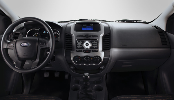 CD/mp3-player com entrada USB, conexão bluetooth e tela de LCD de 4,2 polegadas - Foto: Divulgação.