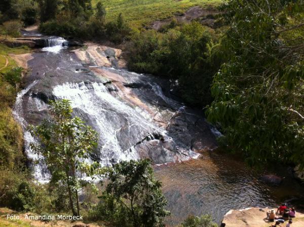 Essa cachoeira fica a apenas 400 metros de casa.