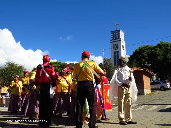 No município há várias festas regionais, como a congada.