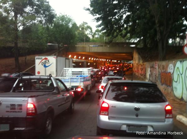 No dia que peguei esse congestionamento, demorei 2 horas para percorrer 19 km!