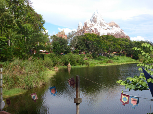 Montanha-russa Everest no Animal Kingdom, da Disney - Minha primeira vez na Disney - Foto: Rodrigo Duzzi.