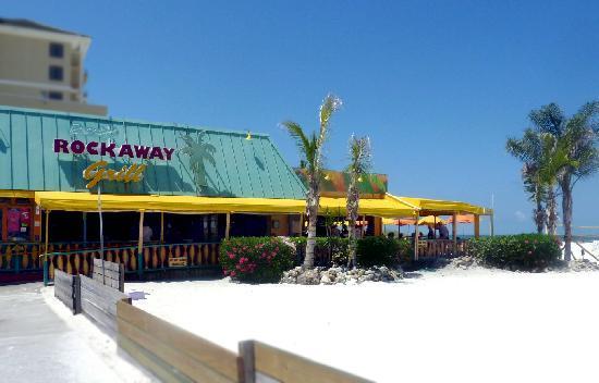 Fachada do Frenchy´s Rockaway On The Beach